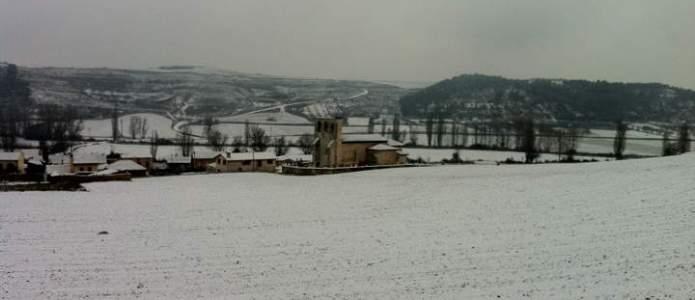 El monte de Villatuelda cubierto de nieve