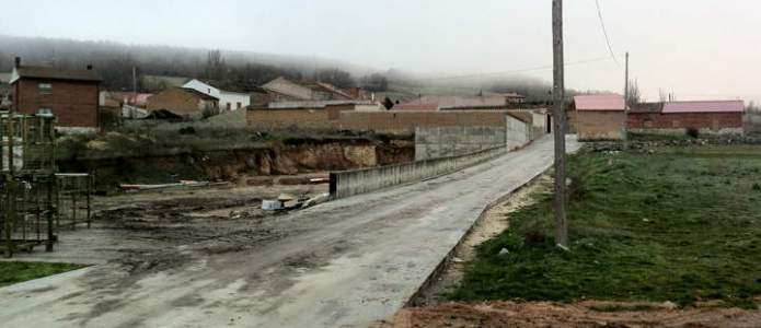 Camino del molino de abajo asfaltado